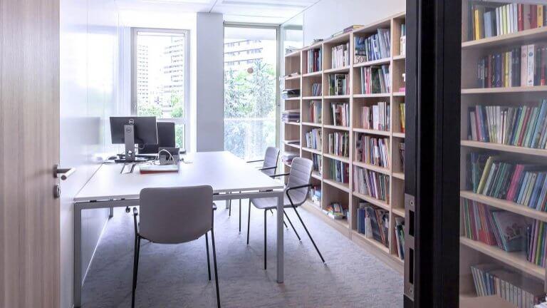 Bibliothèque bureaux entreprise
